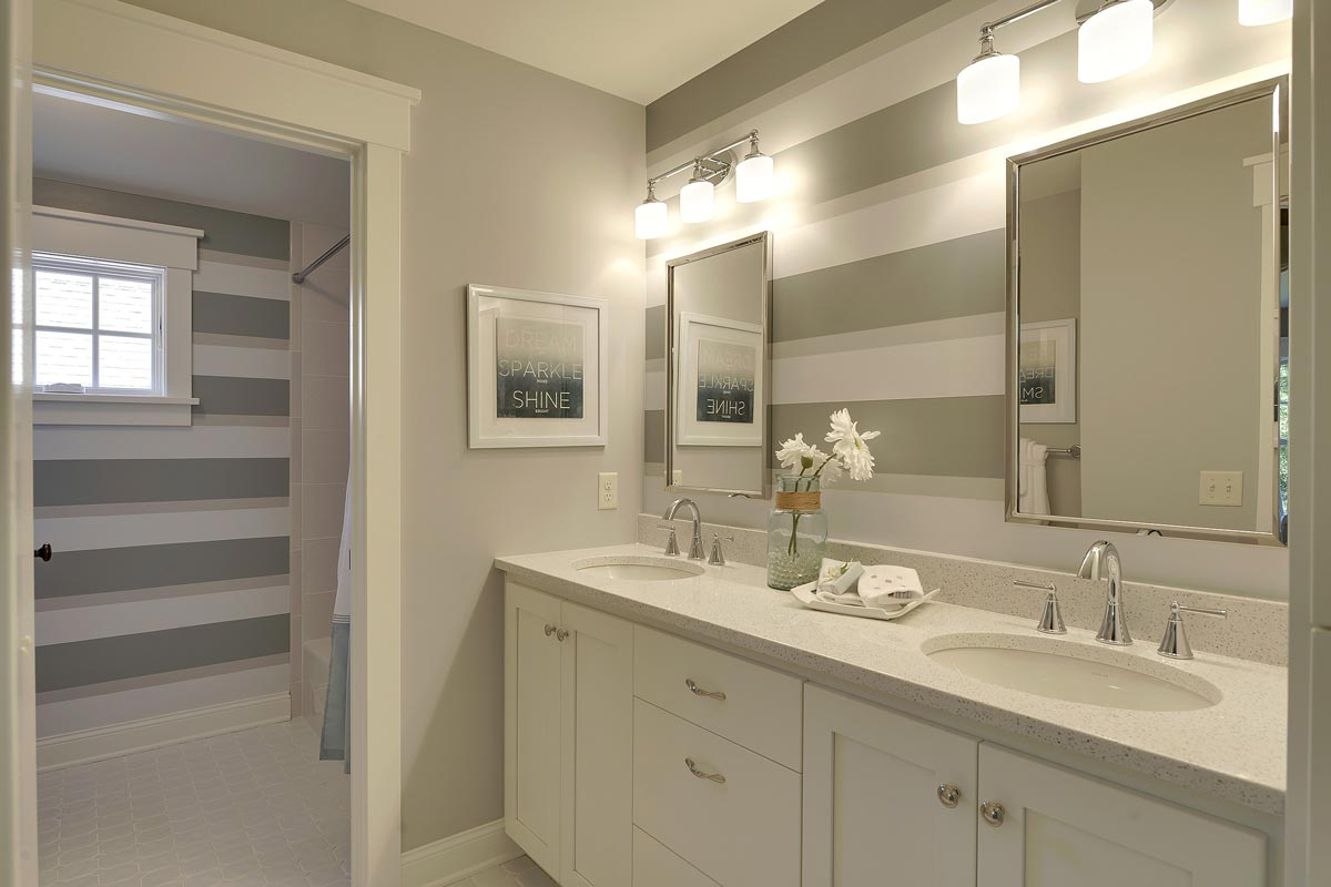 Custom bathroom cabinets mn custom bathroom vanity for Custom bathroom designs
