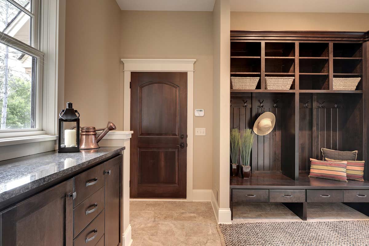 ... Click To Enlarge Image 11_custom_mudroom_cabinets_Gr ...