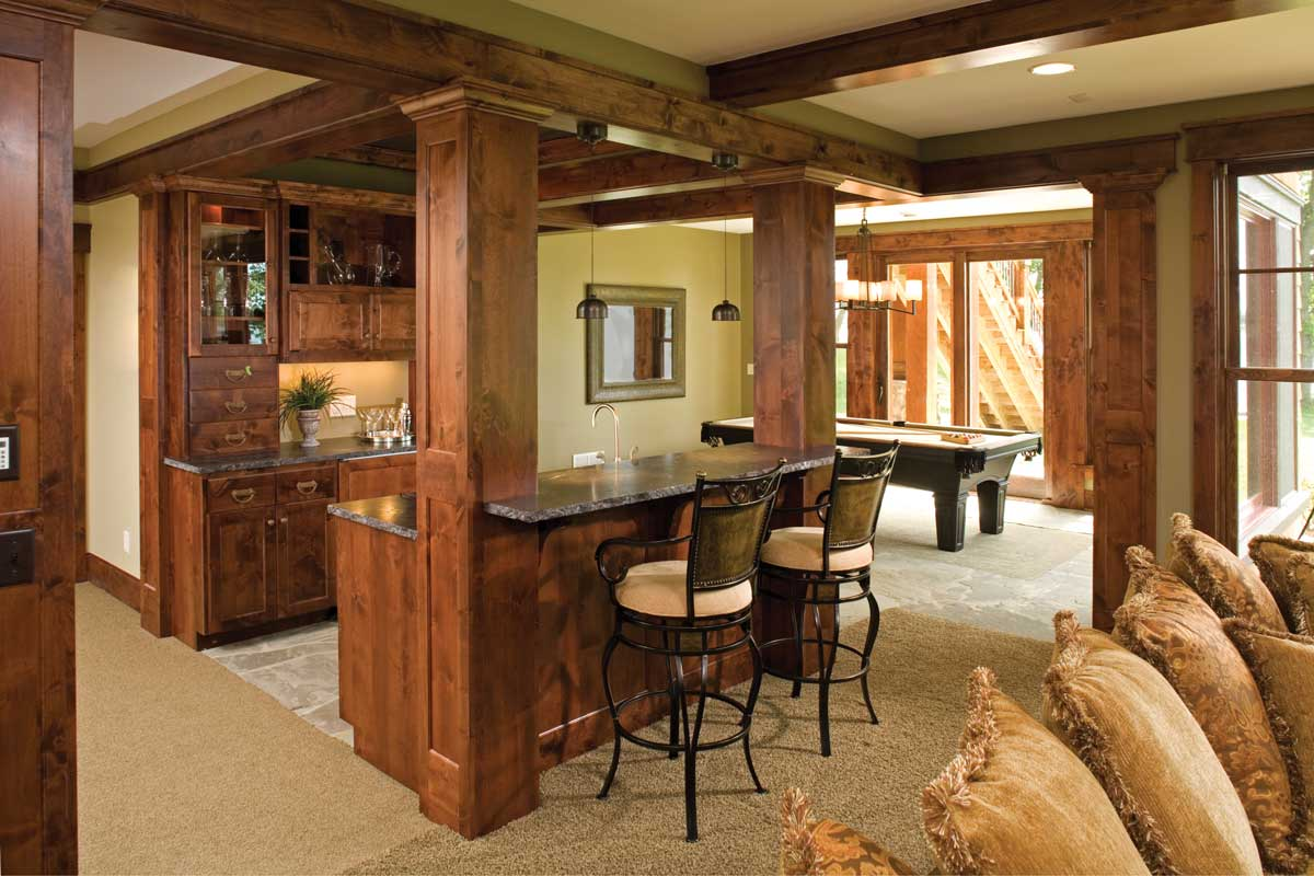 13 custom home bars Or